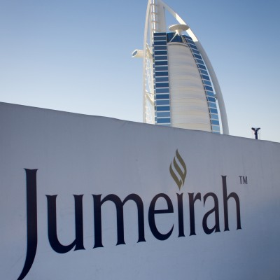 Burj Al Arab behind Jumeirah Wallpaper